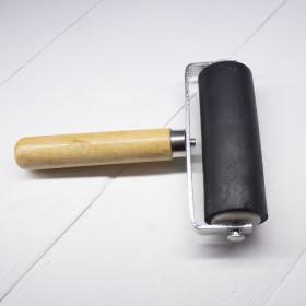 Валик с дерев'яною ручкою